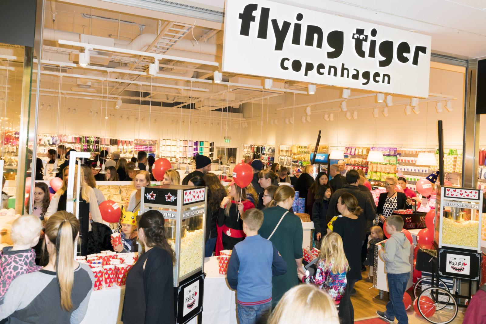 flying tiger copenhagen butiksinvigning i t by centrum petr pr eventbyr. Black Bedroom Furniture Sets. Home Design Ideas